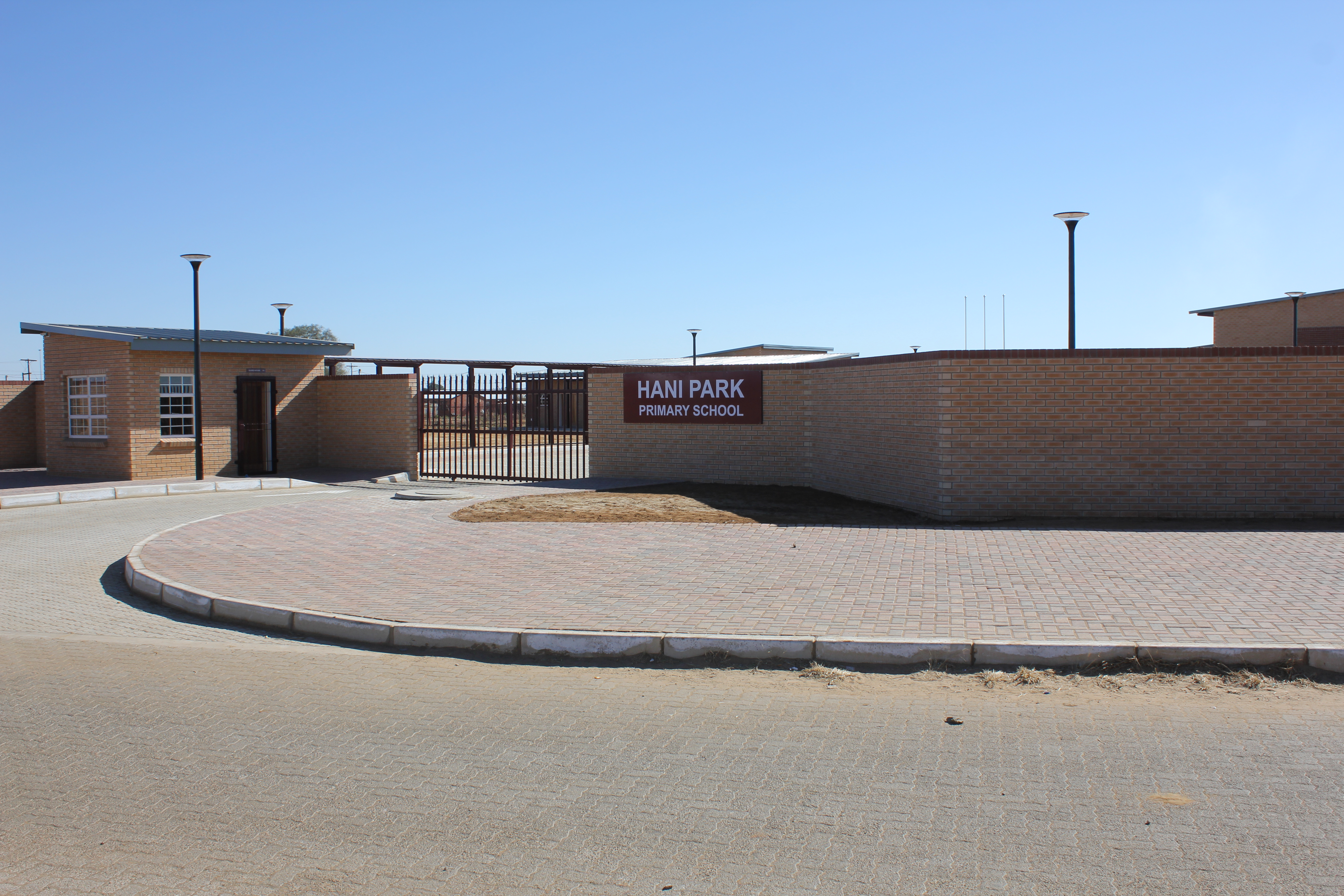 Hani Park primary school ready for hand-over